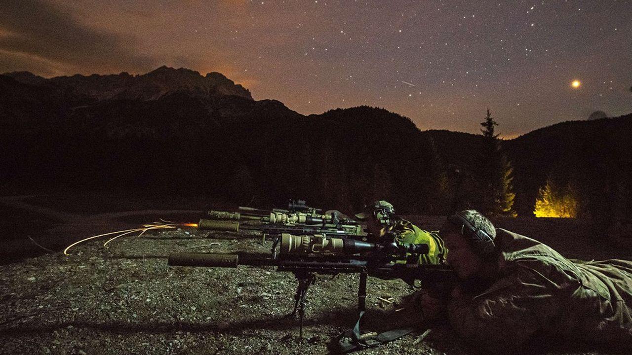 Pour toutes les armées du monde, les outils de vision nocturne sont devenus un élément clé du combat. Photonis, installée à Brive la Gaillarde, affirme être le leader mondial de la vision nocturne.