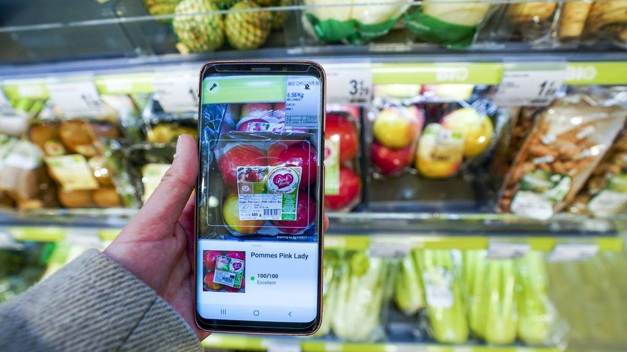 Pour noter les produits alimentaires, Yuka base 60 % de sa note sur le Nutri-Score, qui évalue la qualité nutritive de l'aliment. La note dépend ensuite à 30 % de la présence d'additifs et à 10 % de son caractère bio.