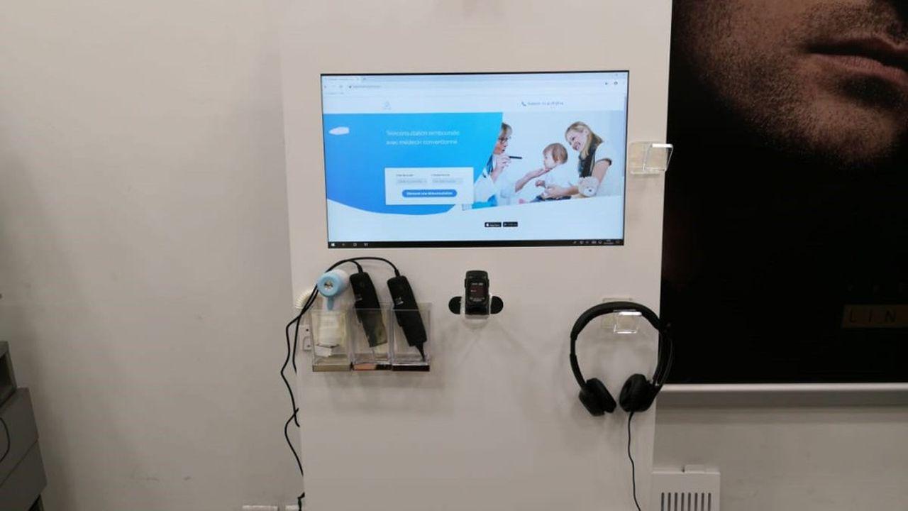 La station permet l'accès à une vraie visite médicale grâce aux outils médicaux connectés
