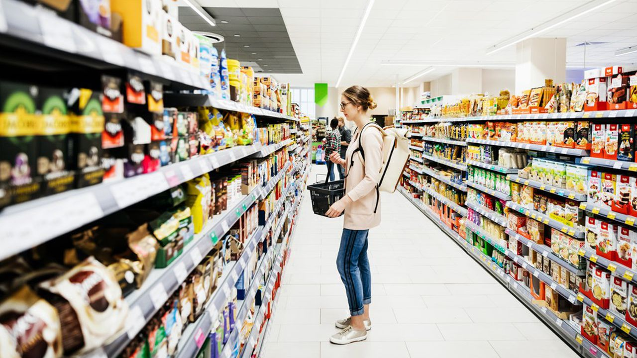 Entre la chasse aux emballages en plastique et la recherche de produits locaux, avoir bonne conscience en faisant ses courses relève de plus en plus du casse-tête.