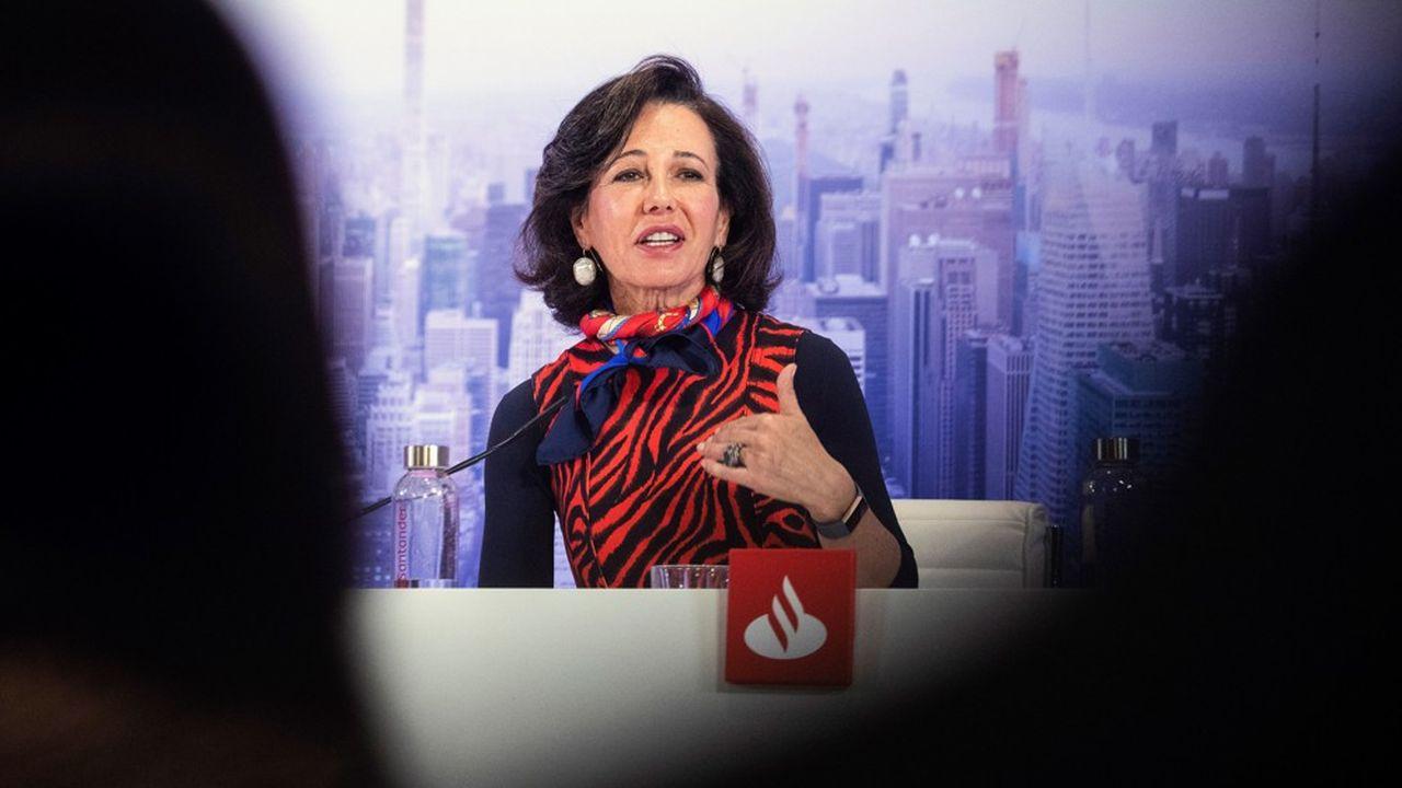 Ana Botin, Présidente du groupe Santander critique la politique de la BCE qui aujourd'hui a « plus d'effets négatifs que positifs » selon elle.