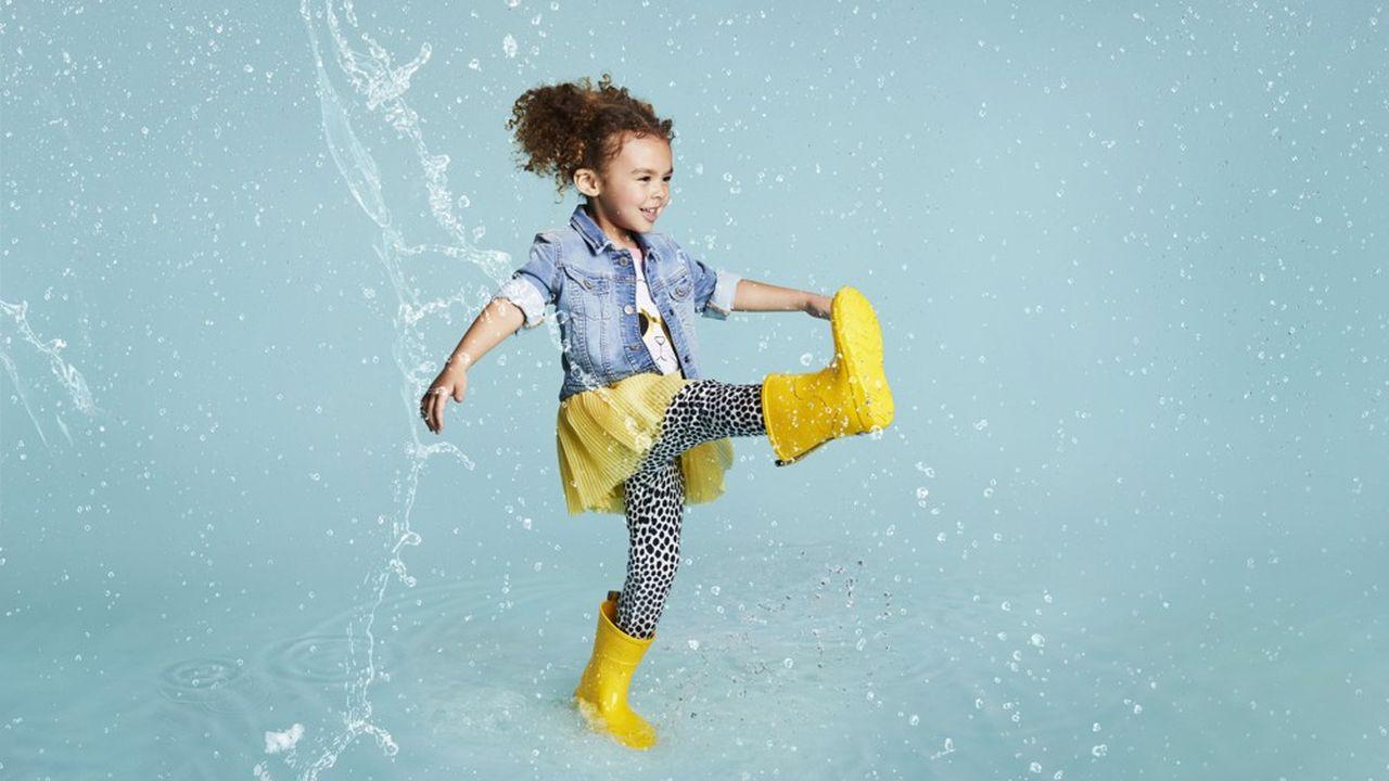 Pour se diversifier et se développer dans le monde de la chaussure, Isotoner a lancé des bottes très légères.