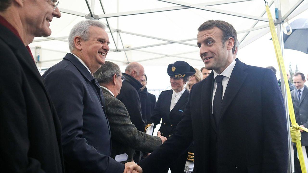 Emmanuel Macron, ce jeudi sur le site de l'usine Saft, à Nersac, en Charente.
