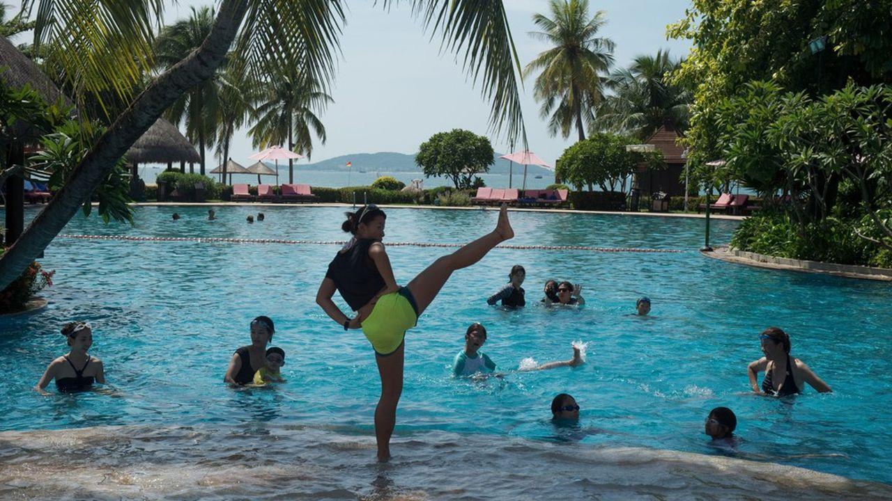 Le Club Med de Sanya (notre photo), situé sur l'île d'Hainan, au sud de la Chine, serait le seul complexe que l'exploitant de villages de vacances garderait ouvert dans l'ex-Empire du Milieu alors que l'épidémie de grippe virale s'y propage toujours plus.