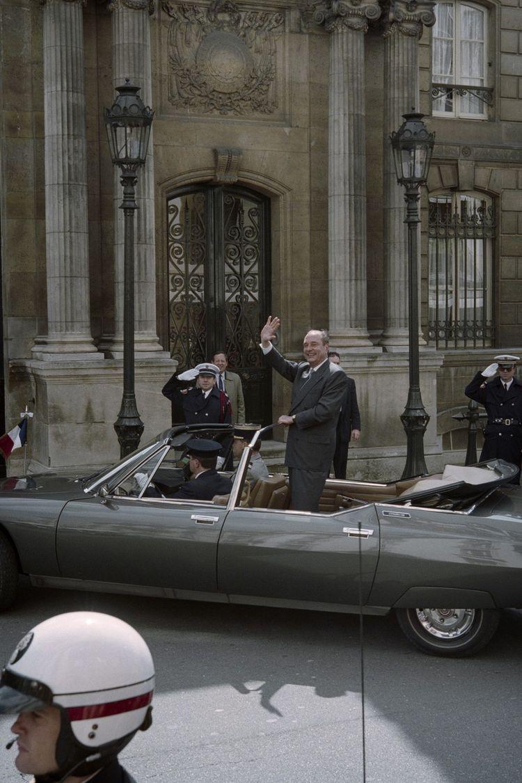 En 1995, élu président de la République, Jacques Chirac (ici arrivant à l'Elysée le 17 mai) nomme Jean-Marc Sauvé secrétaire général du gouvernement.