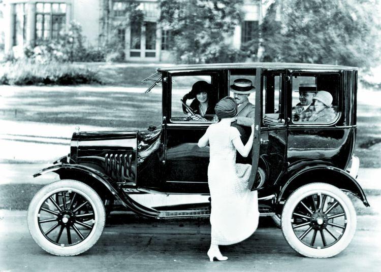 La Ford T modèle Sedan (1923)