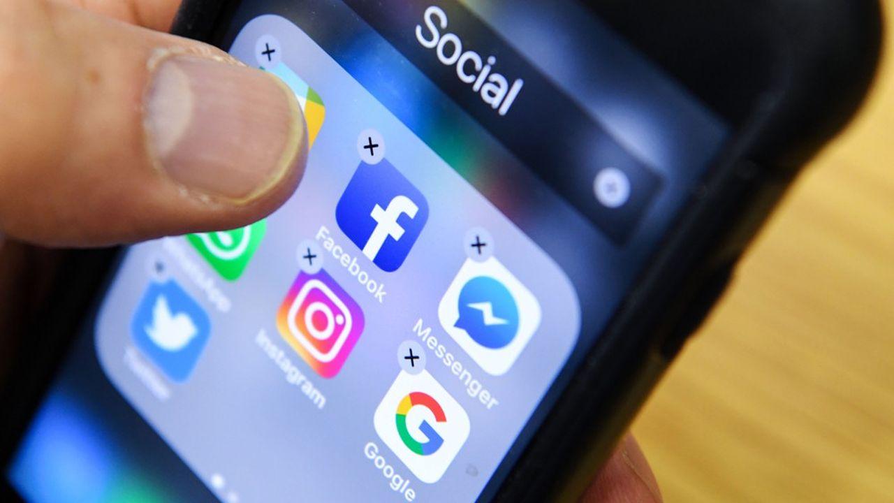 Facebook a indiqué qu'il commencerait à supprimer du contenu contenant de fausses allégations ou des théories du complot sur le nouveau coronavirus.