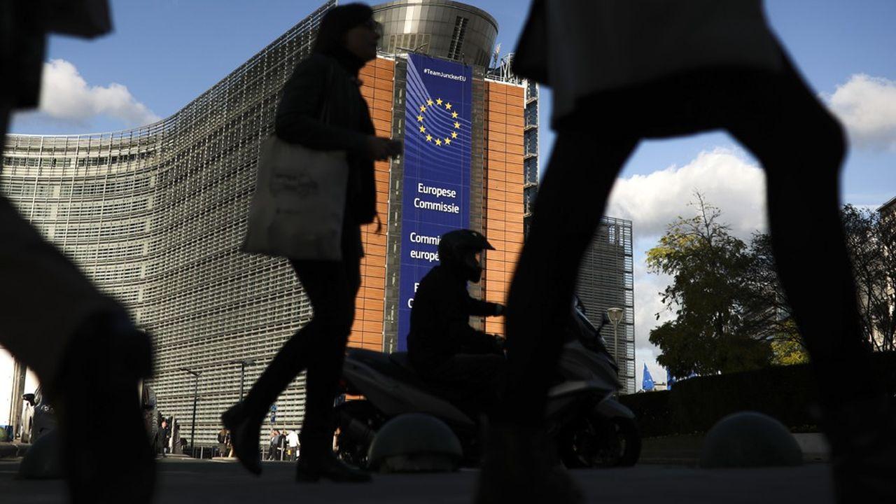 Malgré un accès de faiblesse au dernier trimestre, la croissance européenne devrait être un peu plus soutenue que ne l'anticipait la Commission européenne