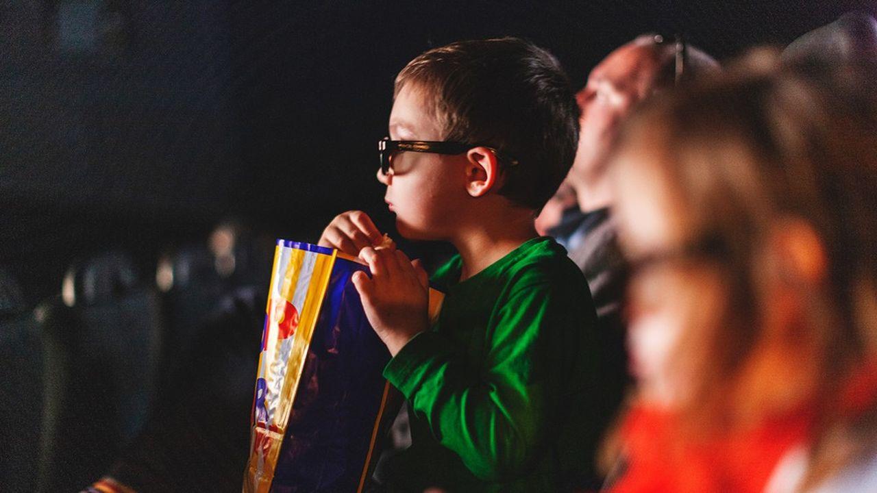 Les jeunes désertent le cinéma et ont plutôt tendance à aller voir des blockbusters.