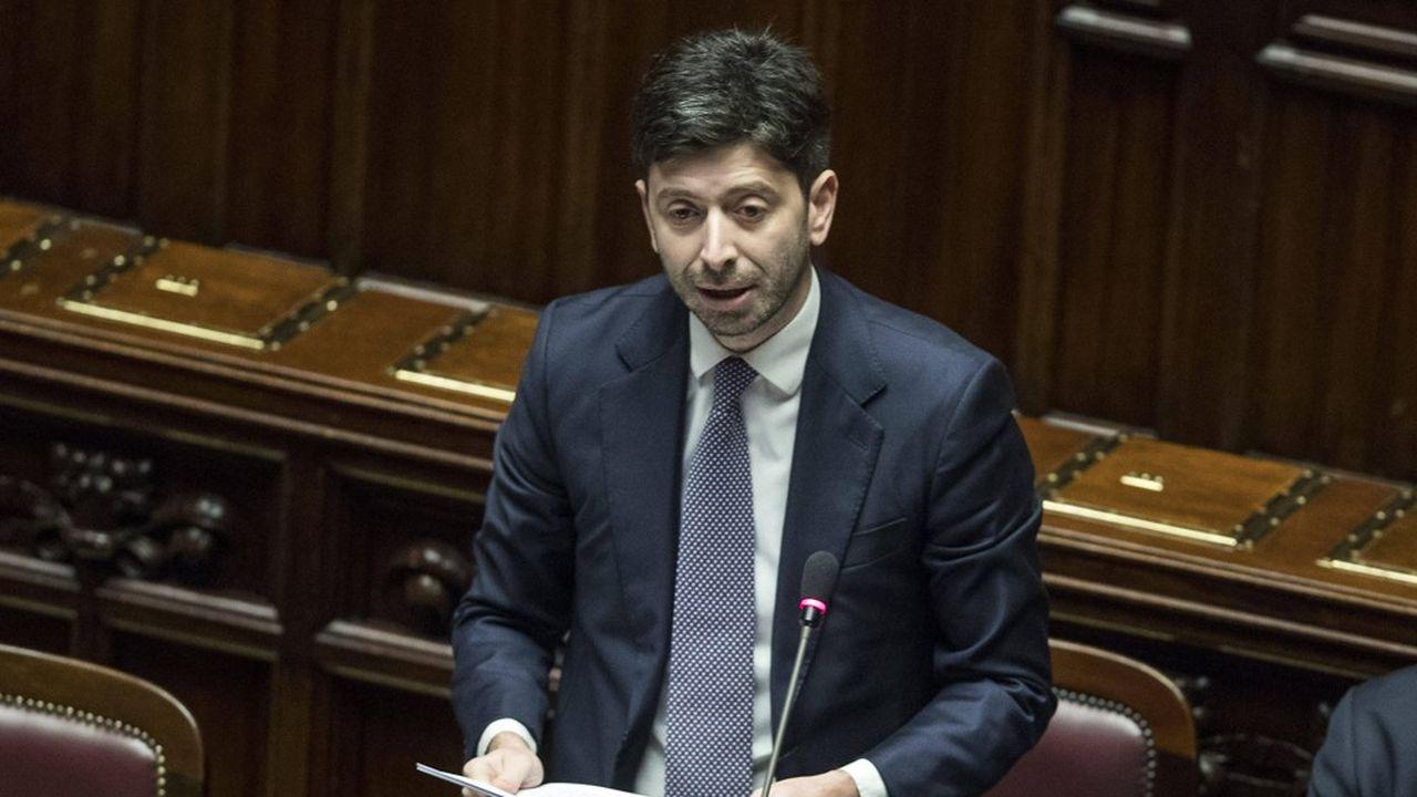 L'Italie est le premier pays européen à prendre une telle décision à «titre de précaution comme ce fut le cas lors de l'épidémie de SRAS en 2003», a indiqué Roberto Speranza.