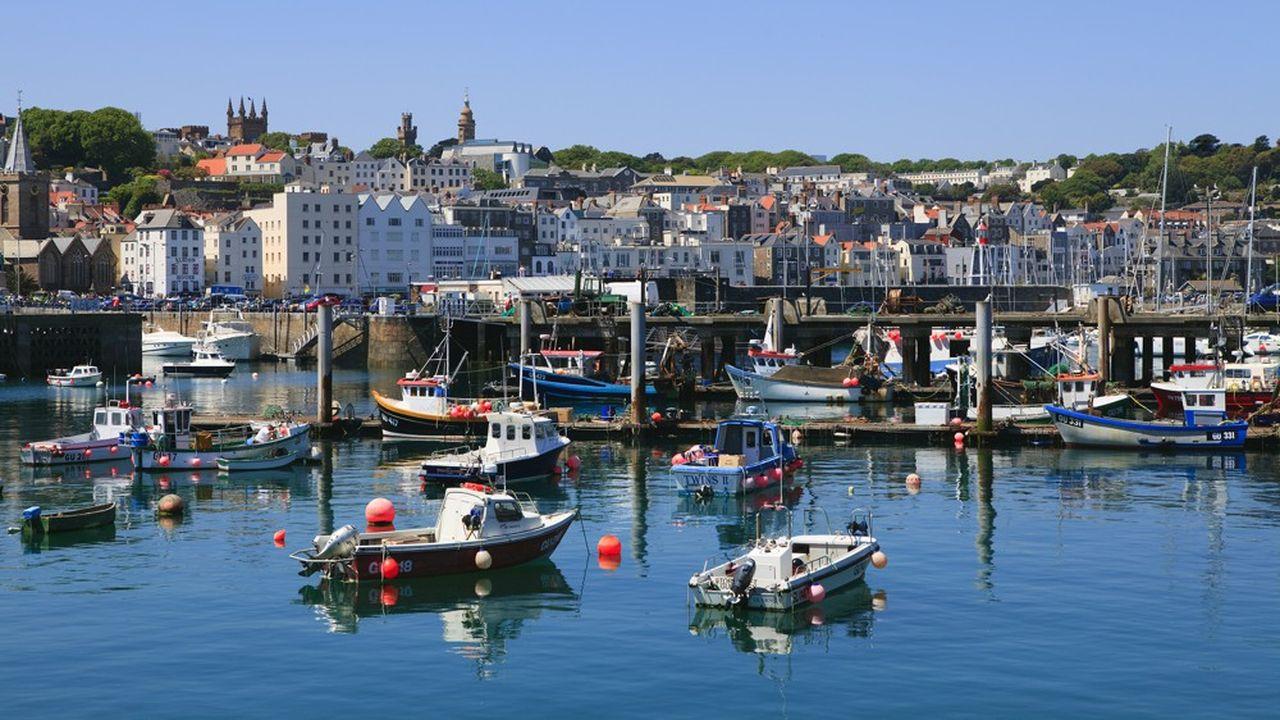 Les autorités de Guernesey imposent désormais une demande d'autorisation aux pêcheurs souhaitant jeter leurs filets dans leurs eaux.