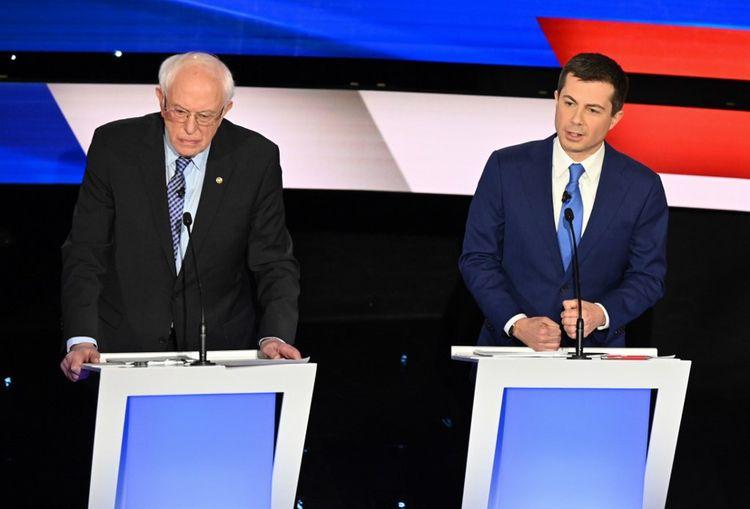 Bernie Sanders et Pete Buttigieg sont respectivement le doyen et le benjamin de ces primaires.