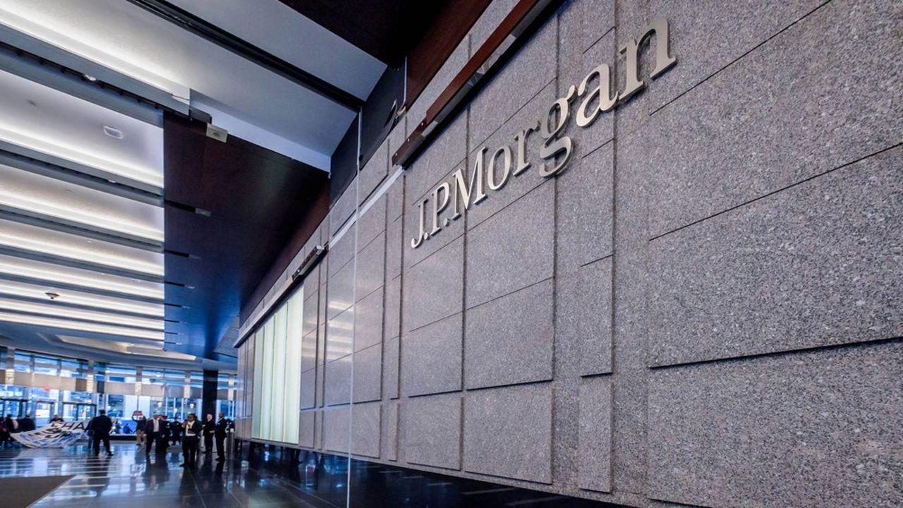 Malgré des profits record, le géant bancaire JPMorgan a annoncé à ses traders qu'il n'y aurait pas de hausse des bonus.