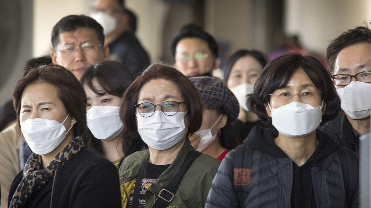 «Nous avons pris une décision agressive face à une menace sans précédent», a défendu Nancy Messonnier, en charge des maladies respiratoires au sein des CDC.