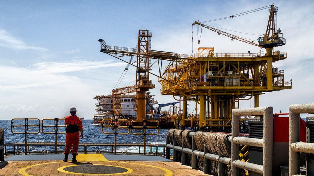 La reprise des investissements en mer ne compense pas le déclin sur terre, en particulier dans le schiste aux Etats-Unis.