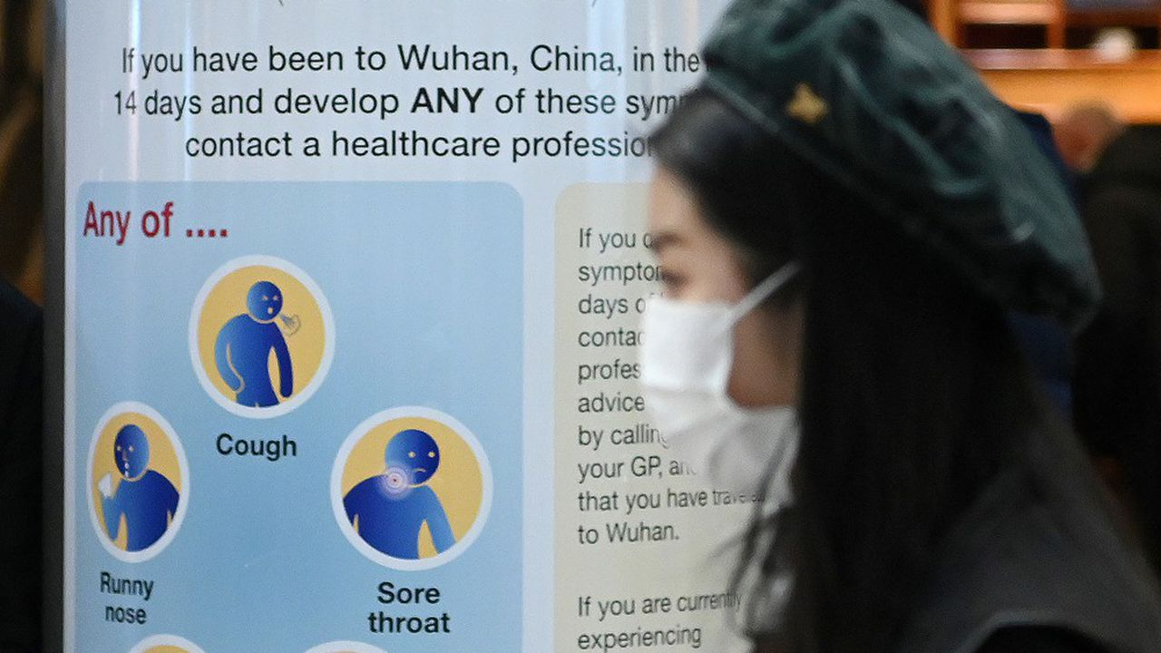 Au Royaume Uni (notre photo) des affiches donnent la marche à suivre en cas d'infection par le coronavirus.