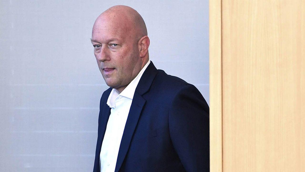 Ministre président de Thuringe fraîchement élu, le libéral (FDP) Thomas Kemmerich, a annoncé jeudi qu'il renonçait à son mandat. Il a qualifié sa décision d'étape «inévitable» dans la mesure où aucune «majorité démocratique» n'est possible.