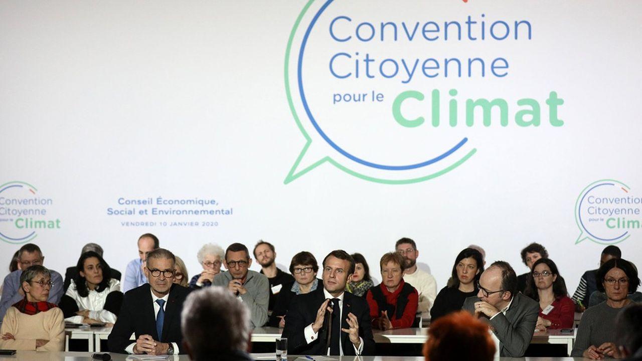 Le président de la République, lors d'un face-à-face avec les membres de la Convention citoyenne pour le Climat le 10janvier 2020