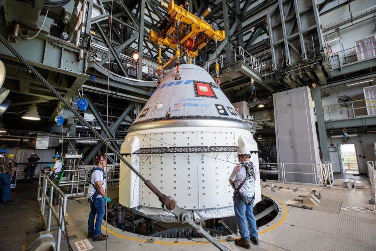 Le module de service est la partie inférieure de vaisseau. Il est largué avant le retour de la capsule dans l'atmosphère terrestre.