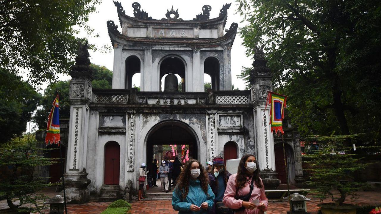 A Hanoi, des sites touristiques ont été fermés avant d'être rouverts le jour suivant.