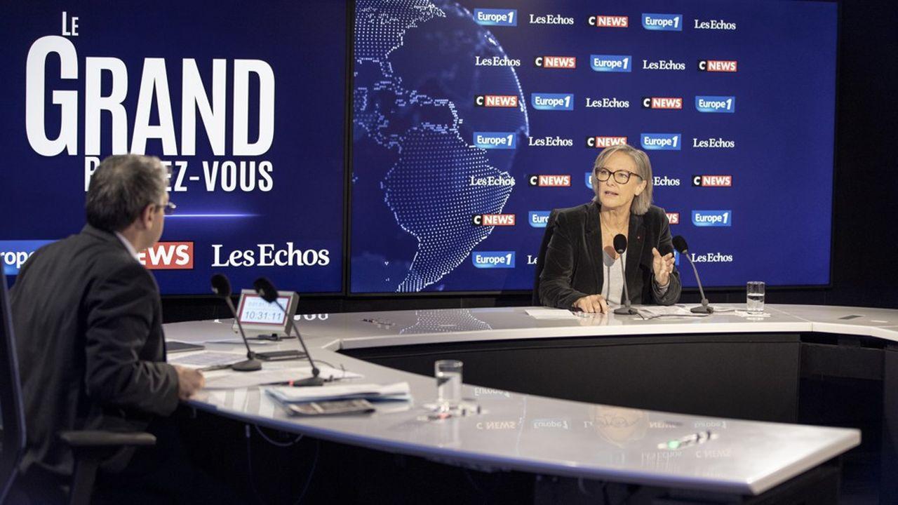 La secrétaire d'Etat chargée des Personnes handicapées, Sophie Cluzel, était l'invitée dimanche du Grand Rendez-vous Europe 1, Les Echos, Cnews.