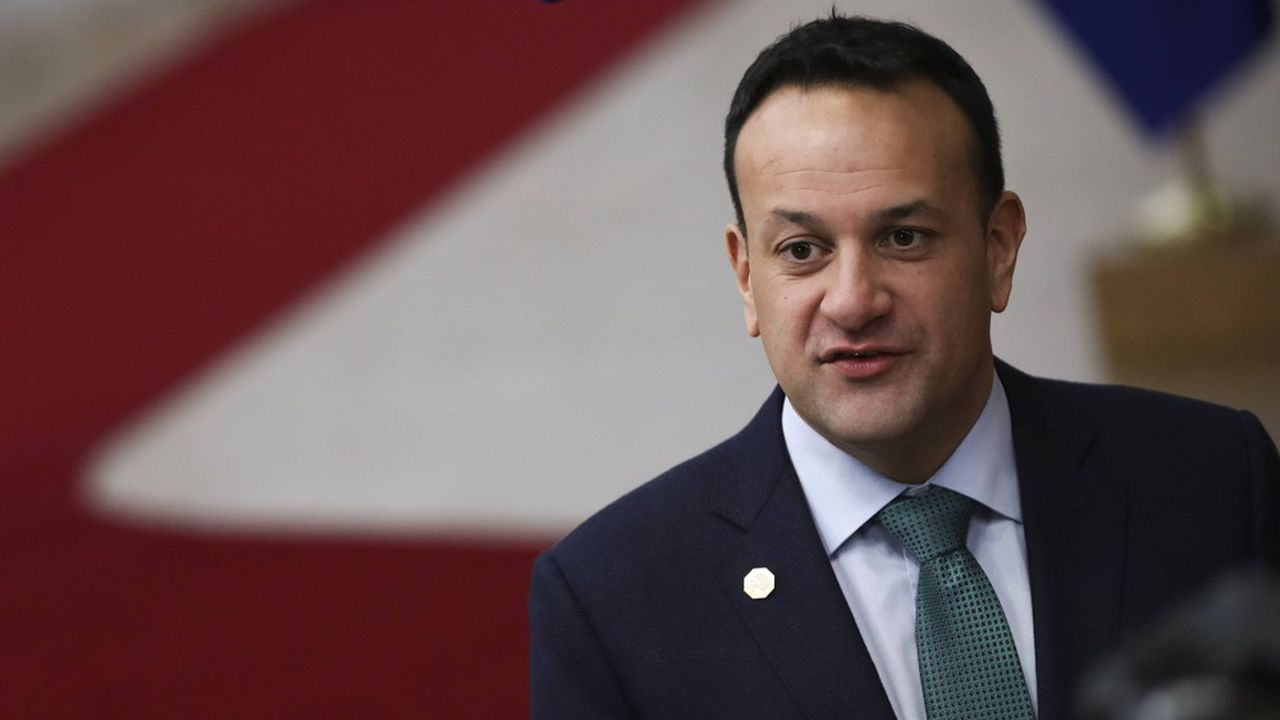 Le Premier ministre irlandais Leo Varadkar pourrait sauver son poste à l'issue du scrutin où les partis sont au coude à coude.