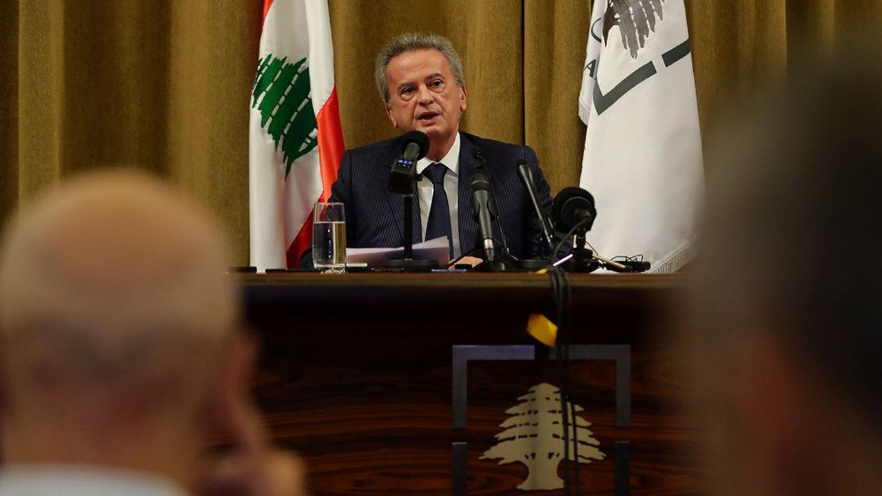 Depuis le début de la crise politique au Liban, le gouverneur de la banque centrale, Riad Salamé, lutte pour maintenir l'ancrage de la monnaie locale au dollar.