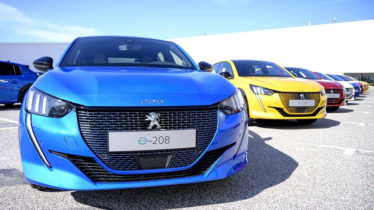 Dans un marché français nettement en recul, la 208 a été la voiture la plus écoulée le mois dernier, avec 7% des ventes, dont 25% de véhicules électriques.
