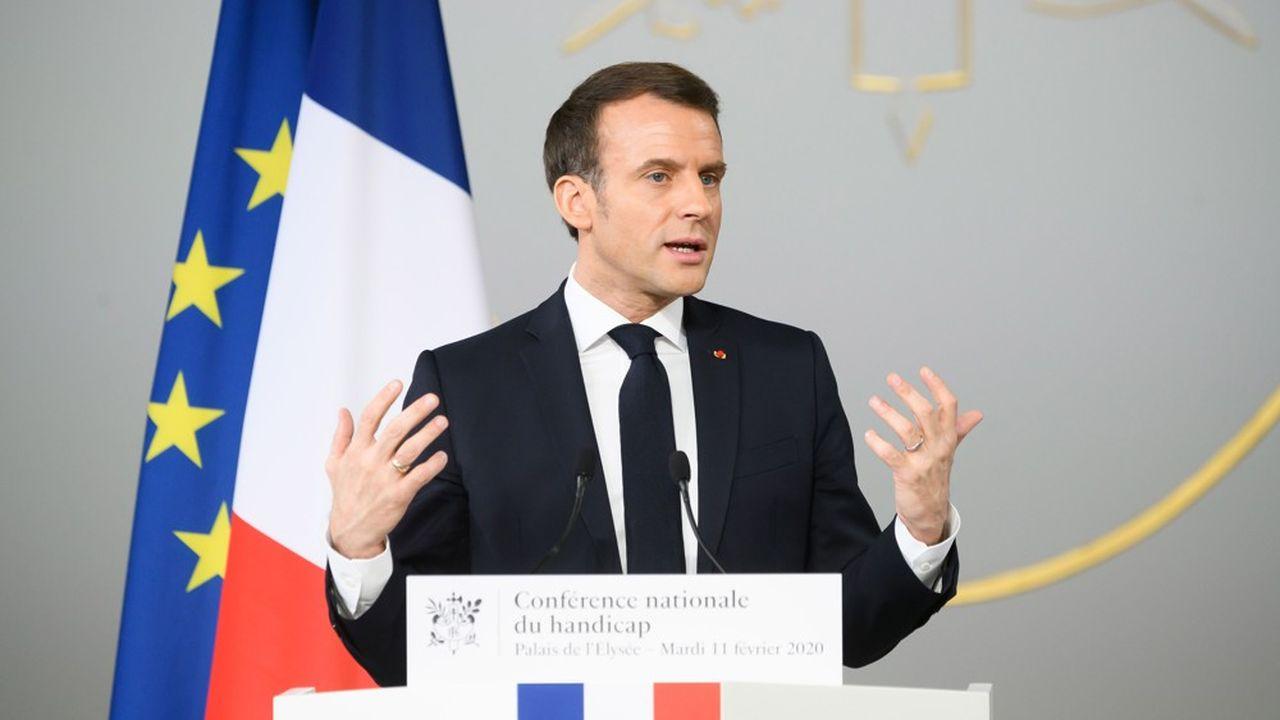 Le président de la République a dit souhaiter qu'aucune demande d'AAH ne soit traitée en plus de 3 mois à partir du 1erjanvier de l'année prochaine.