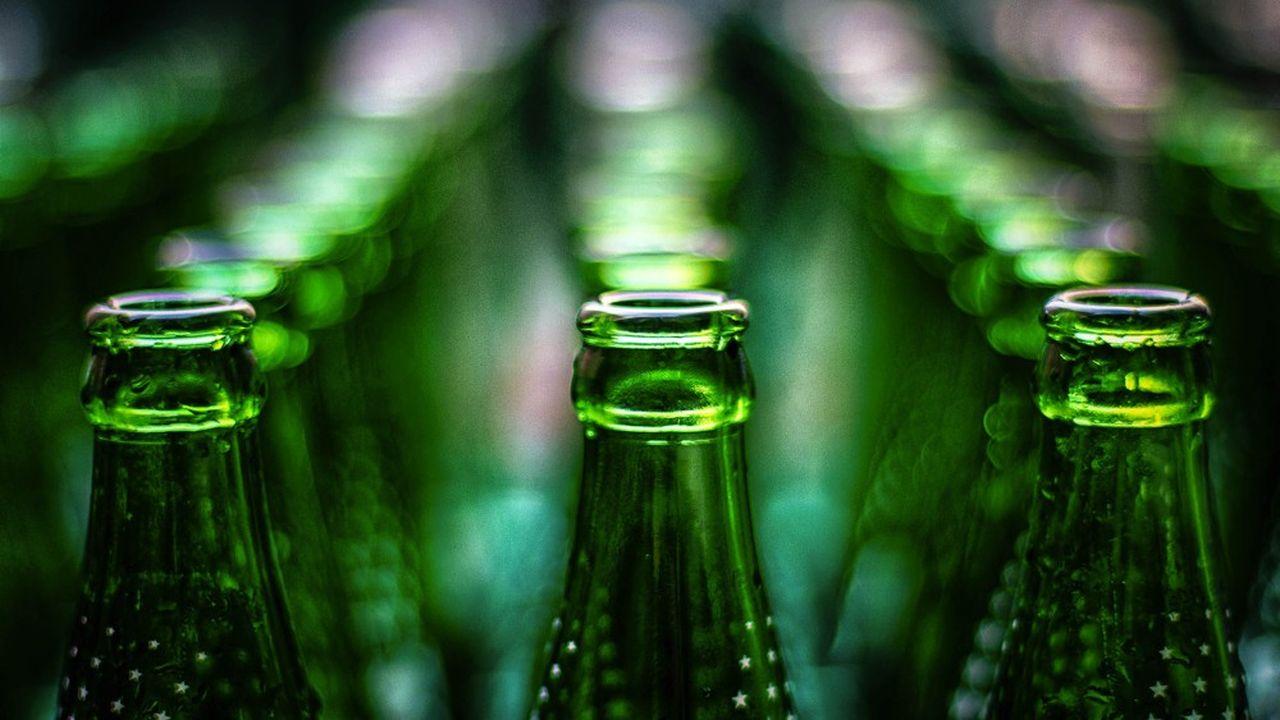 La consigne de verre permet d'éviter 28kilos de déchets par habitant et par an en moyenne, selon l'Ademe.
