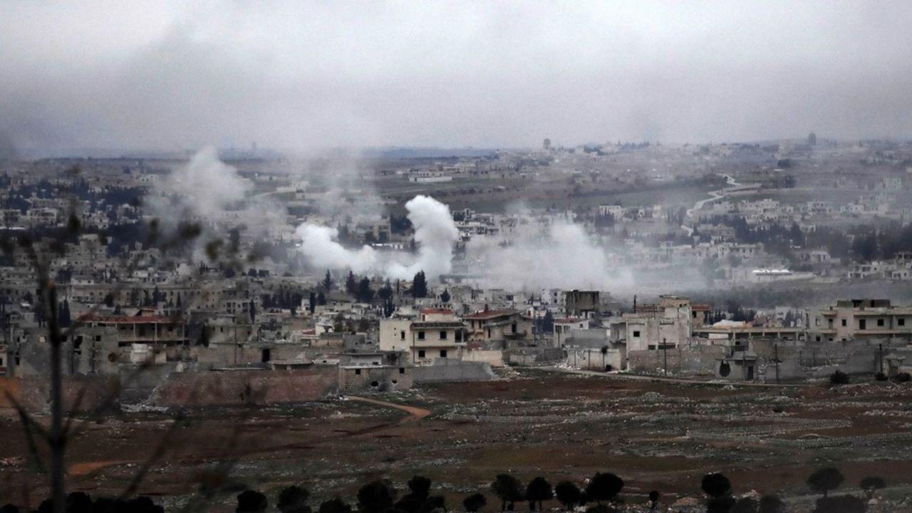 Les forces syriennes ont bombardé plusieurs villages mercredi pour s'emparer de l'autoroute stratégique M5 dans la région d'Alep, que Damas contrôle donc désormais totalement pour la première fois depuis le début du conflit en 2011.