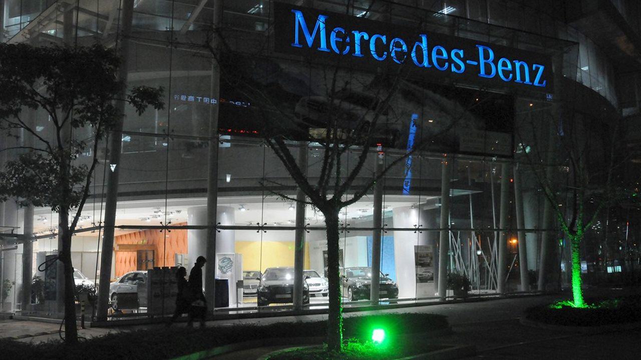 Le coronavirus fait plonger les ventes de voitures en Chine