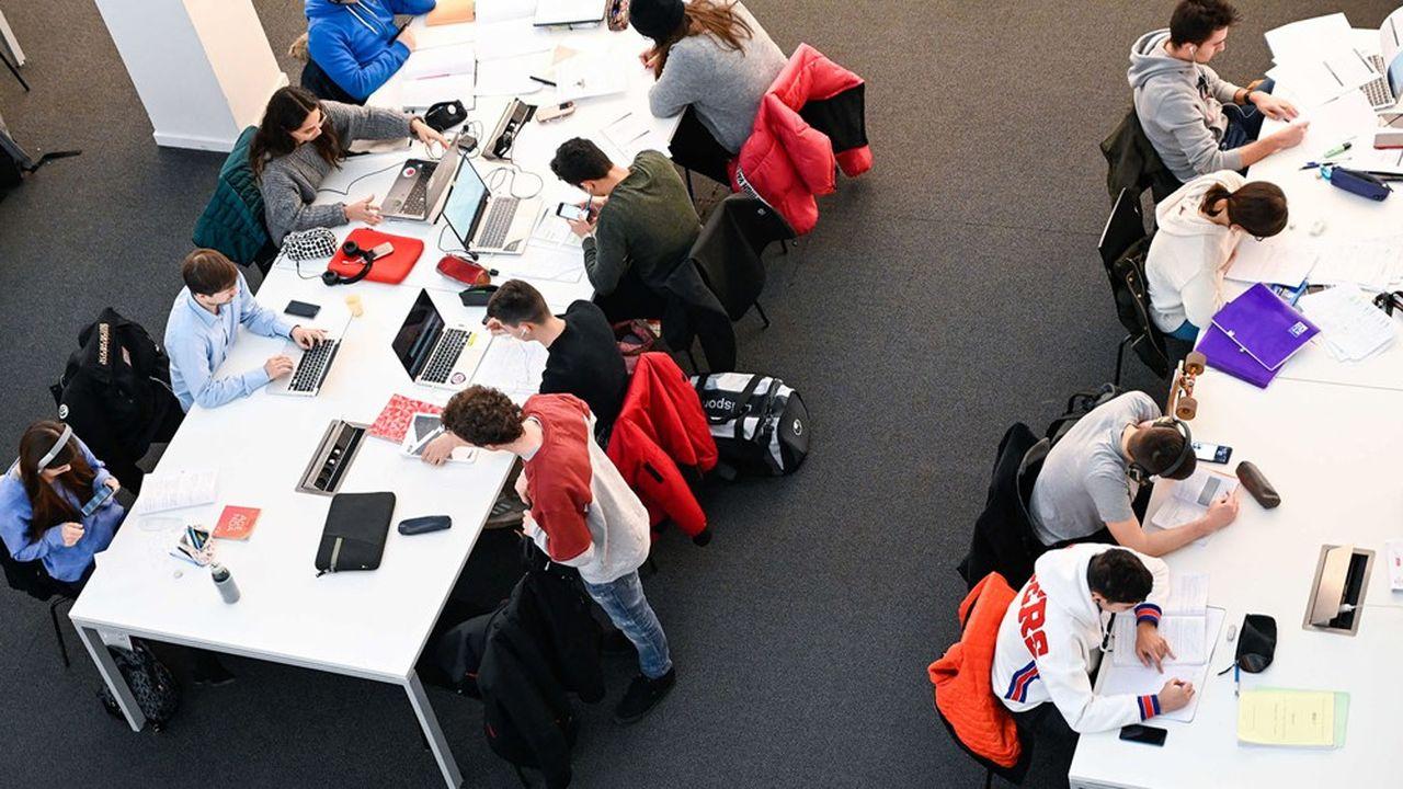 Entre2007 et2017, les effectifs accueillis en France ont progressé de 32%, alors que le nombre d'étudiants mobiles dans le monde augmentait de 71%.