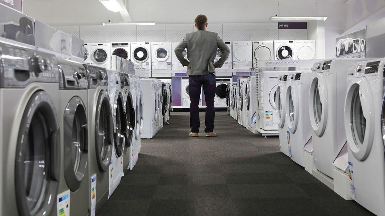 La loi antigaspillage prévoit qu'à compter du 1erjanvier 2025, les lave-linge neufs soient tous dotés d'un filtre à microfibres plastiques. Un défi pour les fabricants en même qu'une opportunité de marché à condition que les pouvoirs publics oeuvrent à garantir une concurrence saine, ont prévenu les industriels.