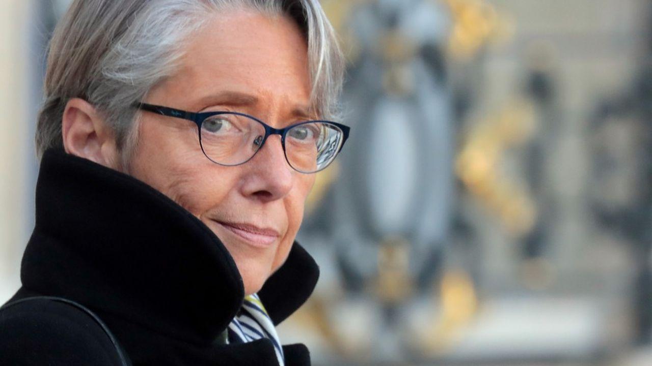 La ministre de la Transition écologique Elisabeth Borne travaille à des mesures pour favoriser le développement des énergies renouvelables en France.