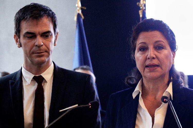 Olivier Véran et Agnès Buzyn, lors de la passation de pouvoirs au ministère de la Santé.