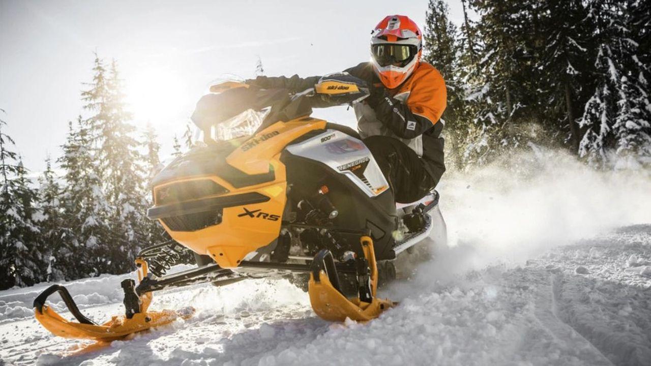 Le groupe de transport Bombardier s'est créé les pieds dans la neige, avec l'invention de l'autoneige, puis des motoneiges Ski-Doo, devenu un symbole du Québec.