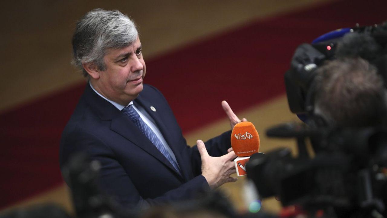 Entre les incertitudes politiques qui secouent l'Allemagne et le flottement institutionnel au sein même de l'eurogroupe, présidé par le ministre de l'Economie portugais, Mario Centeno, l'espoir de débloquer le jeu à court terme dans la zone euro est retombé.