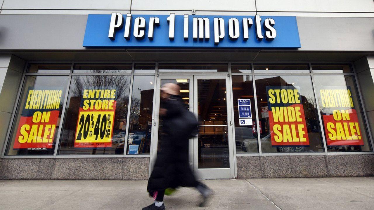 Pier 1 Imports avait déjà annoncé en janvier avoir entrepris de fermer 450 magasins.