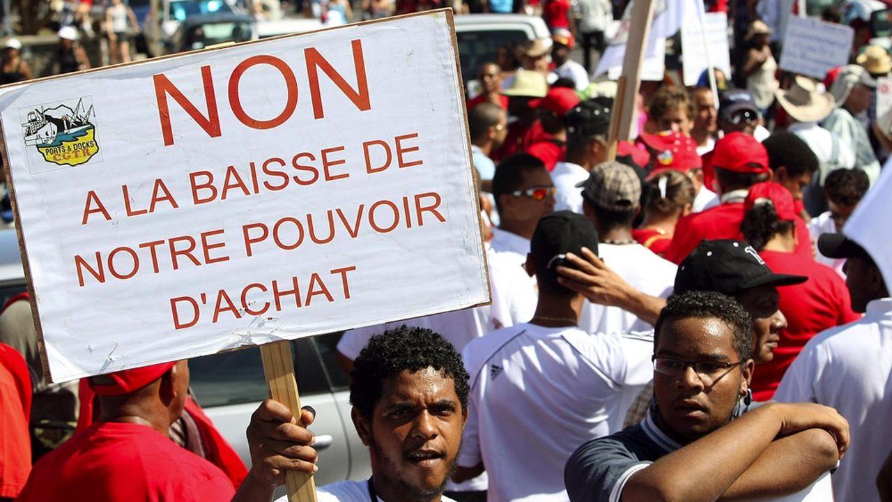 Manifestation contre la vie chère à Saint-Denis de la Réunion, en 2009.
