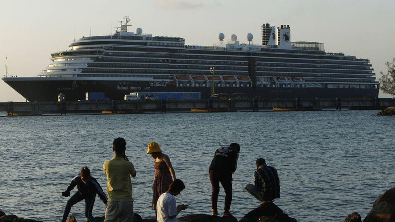 Plus de 500 touristes potentiellement porteurs du virus auraient déjà quitté le Cambodge.