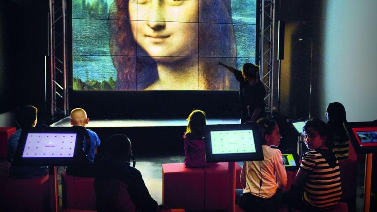 La Micro-Folie des Mureaux est un musée virtuel donnant accès aux oeuvres des grands musées nationaux.