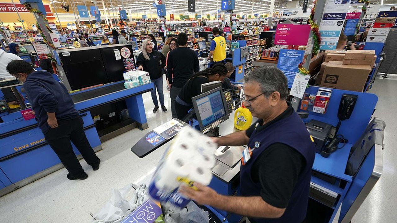 Walmart continue de s'appuyer sur son réseau de magasins pour tenter de s'opposer à Amazon.