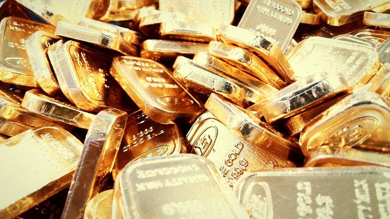 L'or profite de l'aversion au risque des investisseurs alimentée par l'épidémie de coronavirus.
