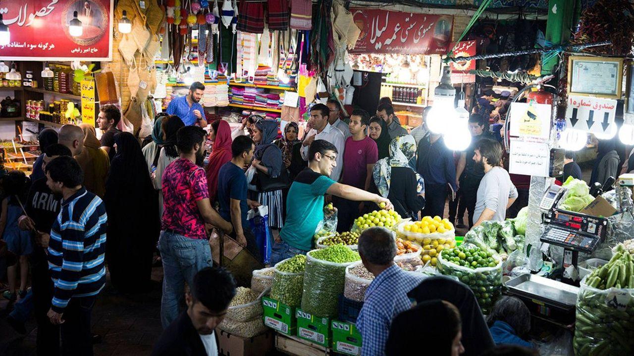 Les prix des légumes, comme ici dans un bazar à Téhéran, ont flambé l'an dernier, comme celui de nombreux aliments.