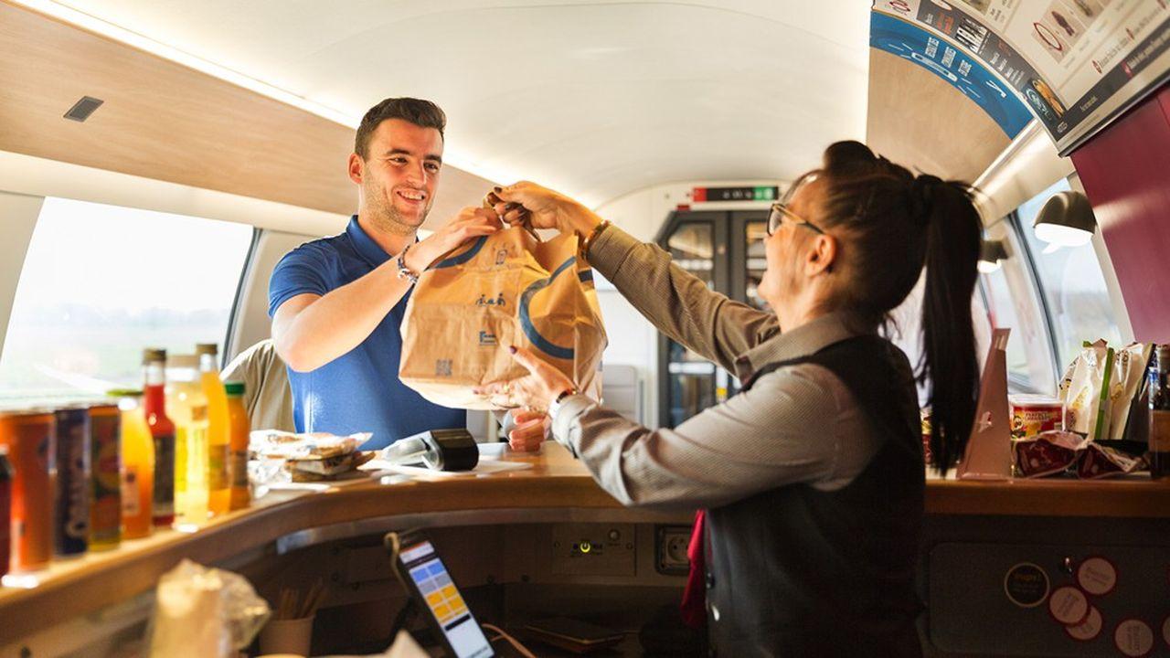 Embarqué cet hiver dans la galère des grèves de la SNCF, Newrest a multiplié les promotions en matière de restauration à bord pour reconquérir la clientèle.