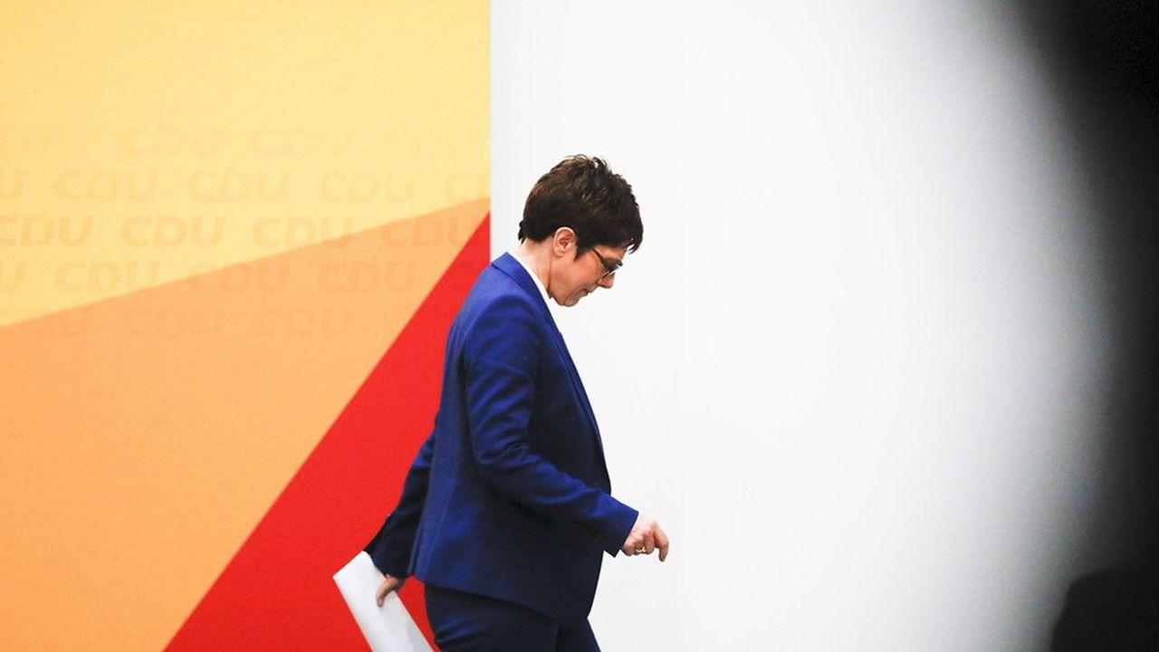 La présidente sortante de la CDU, Annegret Kramp-Karrenbauer, prépare sa succession en appelant à la création d'un «pare-feu» face à l'extrême droite