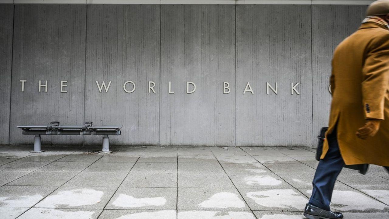 Une étude la Banque mondiale suggère que l'aide aux pays pauvres est détournée vers des paradis fiscaux.