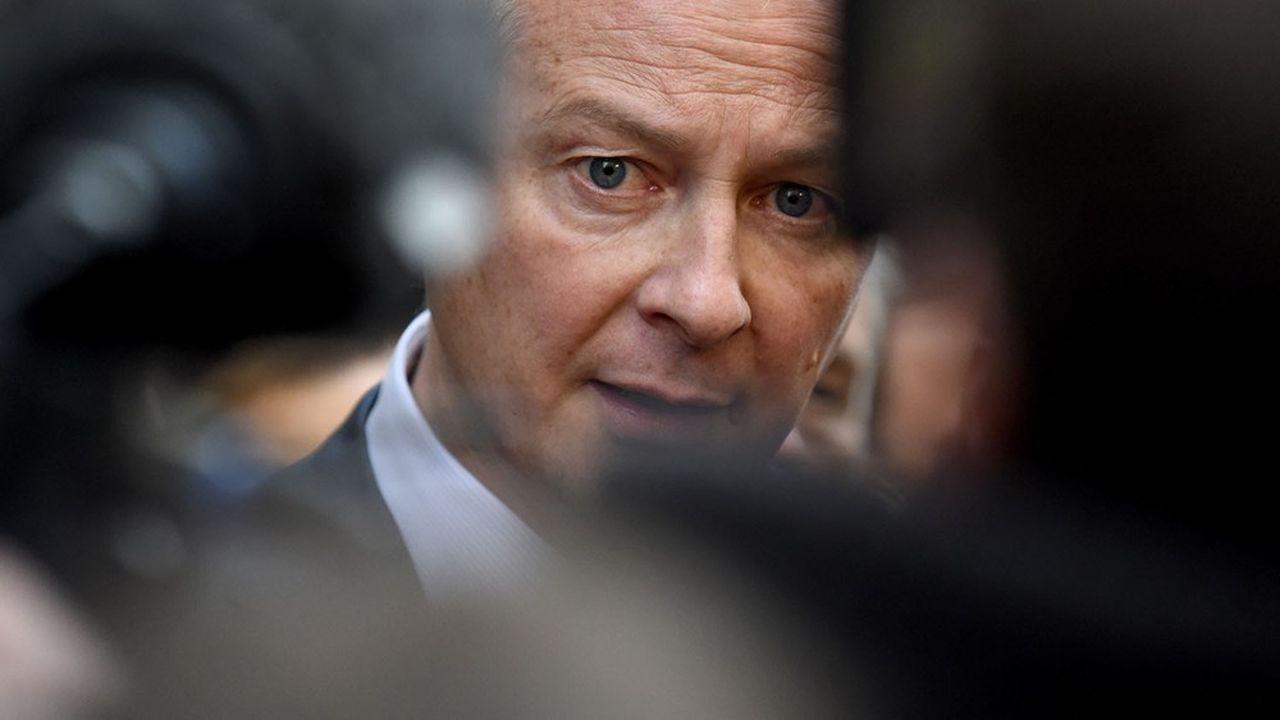 Frais bancaires: Bruno Le Maire maintient la pression sur les banques