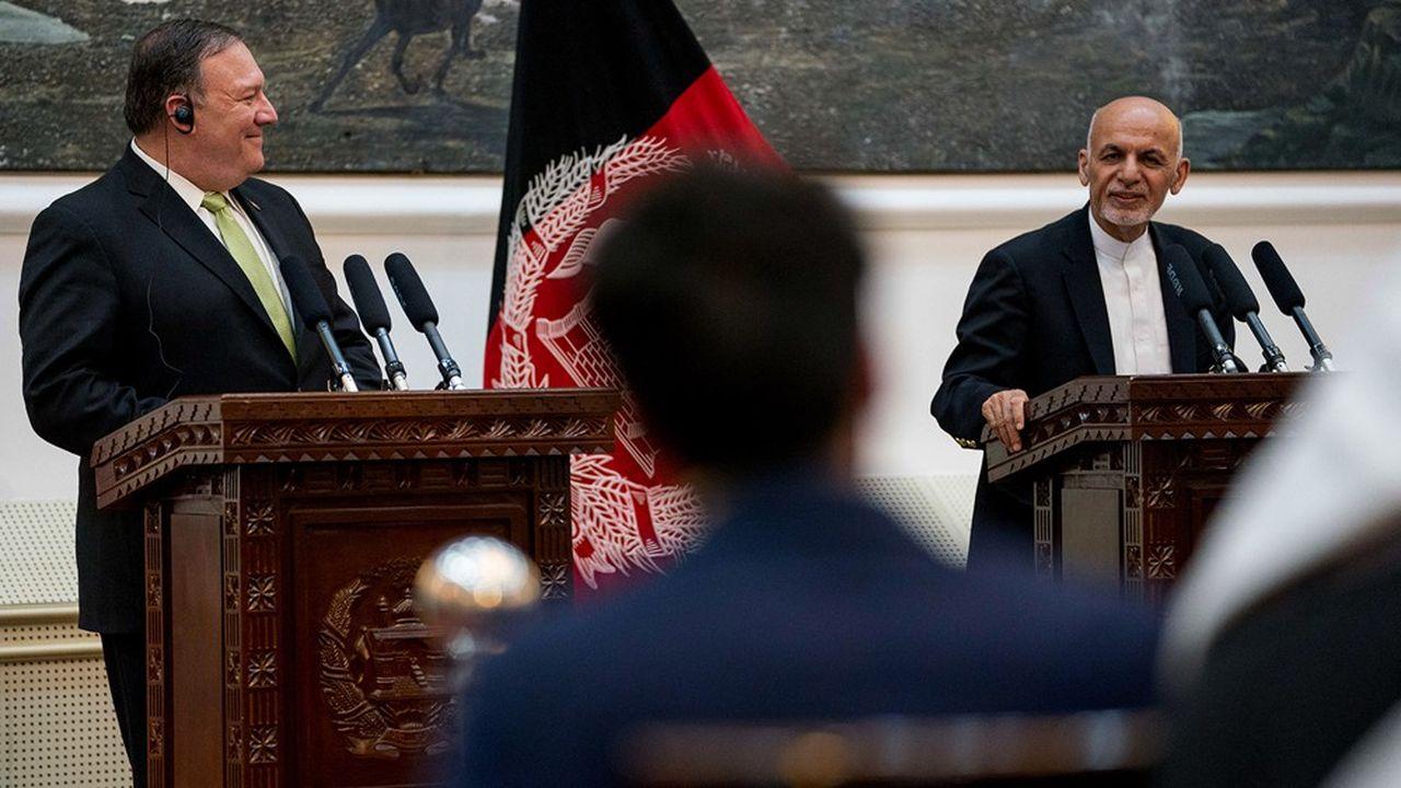 A de multiples reprises, le secrétaire d'Etat américain Mike Pompeo s'est rendu en Afghanistan pour négocier avec le président du paysAshraf Ghani.